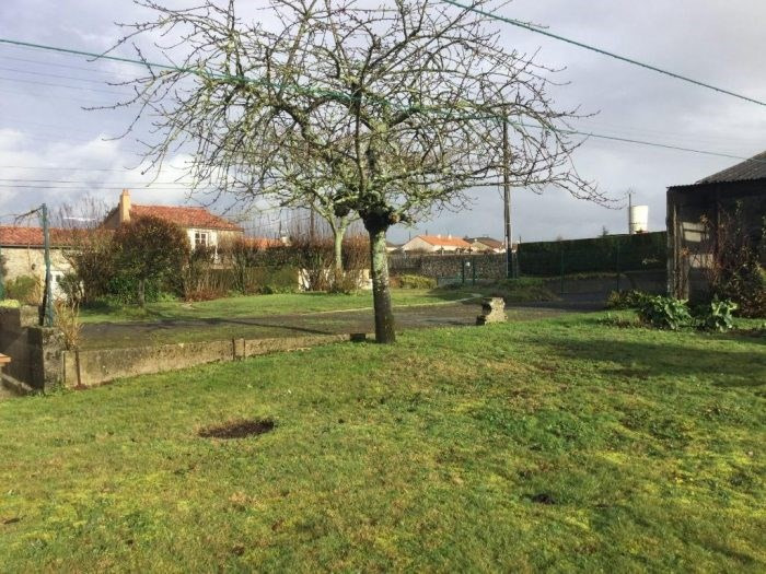 Sale site Saint-crespin-sur-moine 52900€ - Picture 1