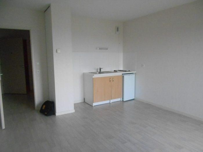 Sale apartment La roche-sur-yon 70400€ - Picture 2
