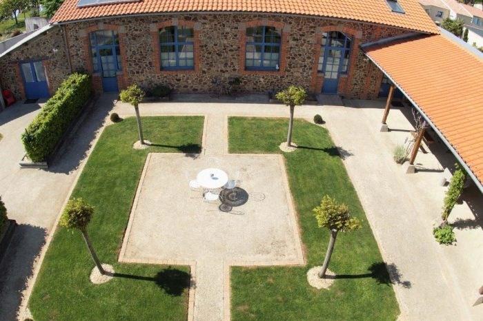 Sale house / villa Boufféré 453000€ - Picture 1