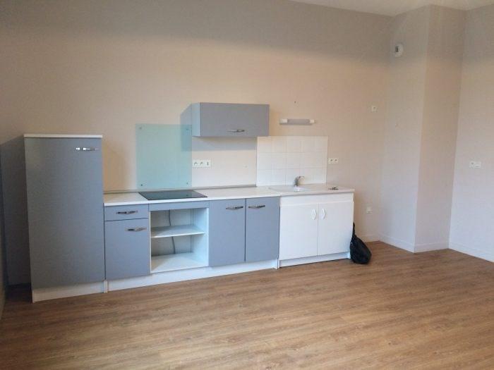 Location appartement La verrie 508€ CC - Photo 1