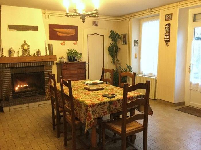 Sale house / villa Saint-georges-de-montaigu 117900€ - Picture 1
