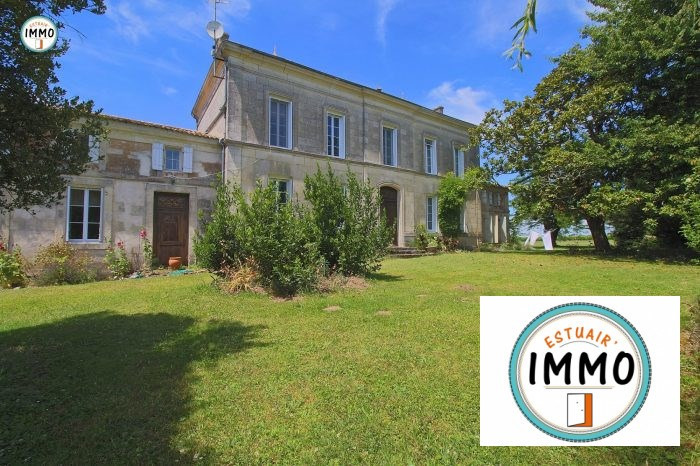 Deluxe sale house / villa Saint-fort-sur-gironde 599 000€ - Picture 1