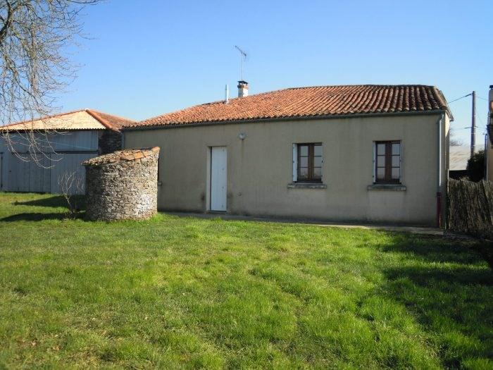 Location maison / villa Le puiset-doré 477€ CC - Photo 3