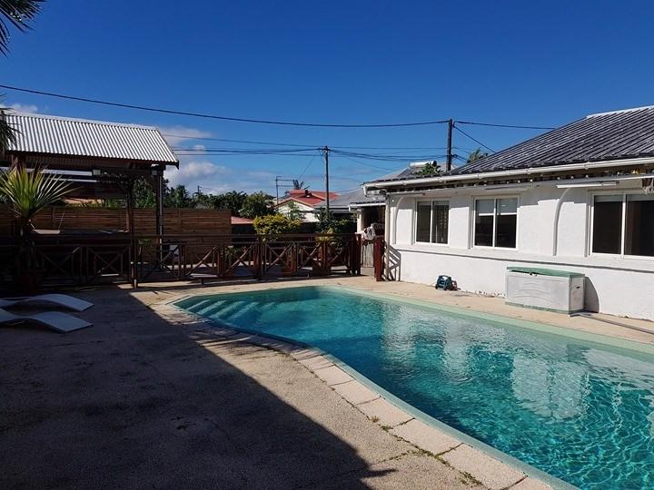 Sale house / villa Ste suzanne 269000€ - Picture 1