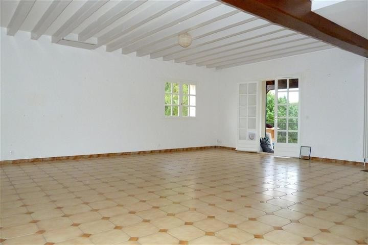 Rental apartment Bois le roi 1 264€ CC - Picture 1