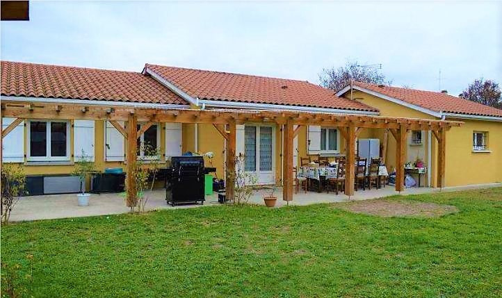 Sale house / villa Feurs 248 000€ - Picture 1