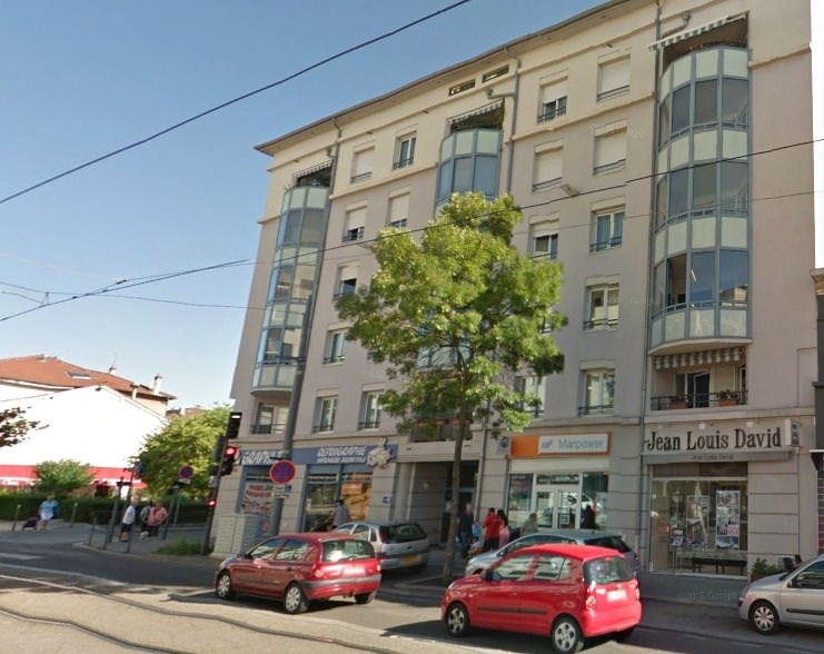 Rental apartment Bron 1215€ CC - Picture 2