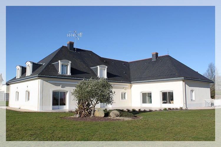 Deluxe sale house / villa Saint-herblon 440000€ - Picture 1
