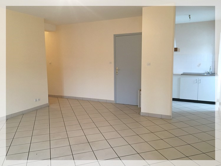 Location appartement Le fuilet 420€ CC - Photo 1