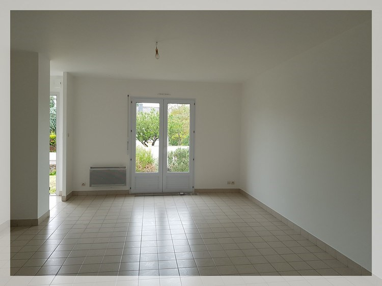 Location maison / villa Mésanger 625€ CC - Photo 5
