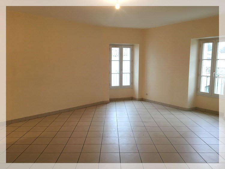 Location appartement Le fuilet 420€ CC - Photo 2