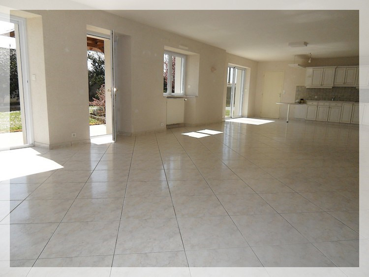 Location maison / villa Anetz 820€ CC - Photo 2