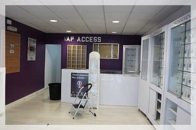 Location boutique Ancenis 653€ +CH/ HT - Photo 1