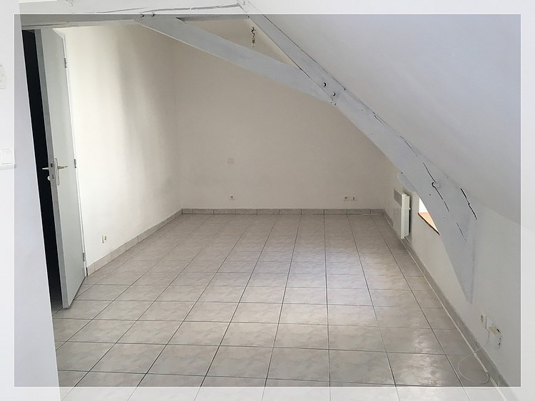 Location appartement Saint-mars-la-jaille 210€ CC - Photo 2