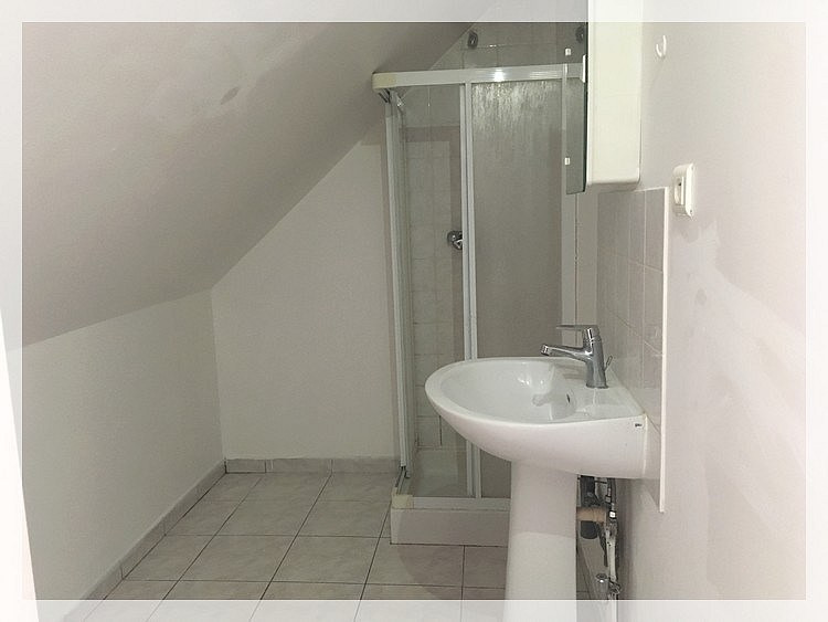 Location appartement Saint-mars-la-jaille 210€ CC - Photo 4