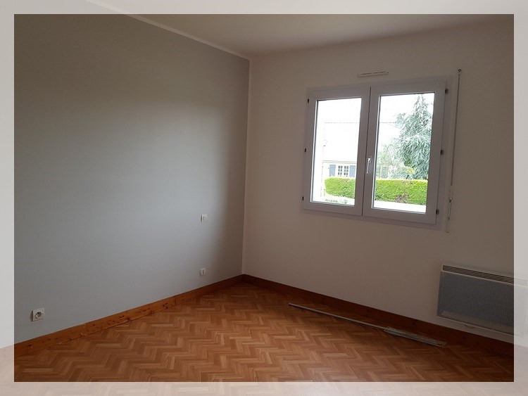Location maison / villa Mésanger 625€ CC - Photo 4