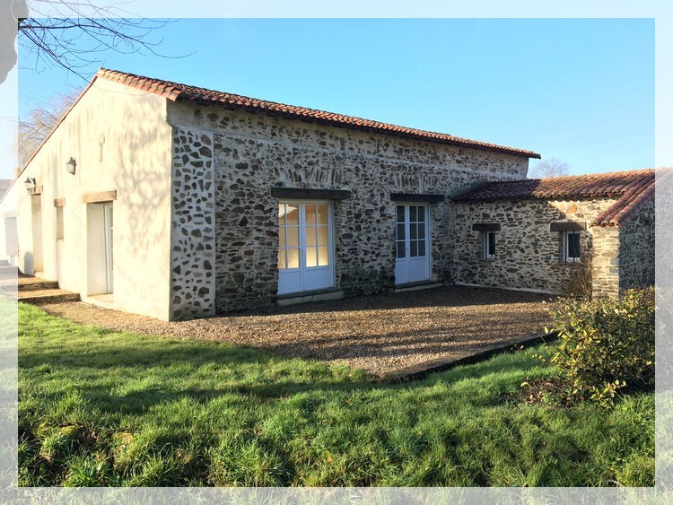 Location maison / villa Liré 790€ CC - Photo 1