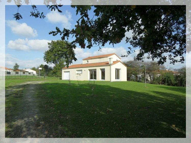 Rental house / villa Le fuilet 650€ CC - Picture 1