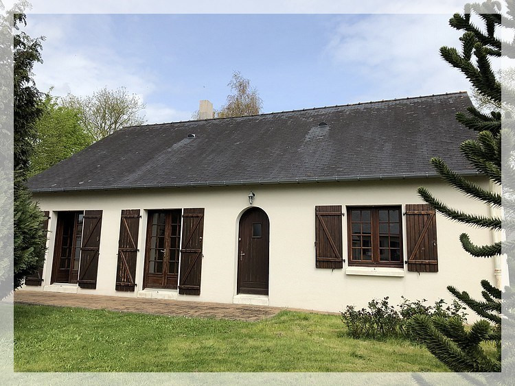 Sale house / villa Mésanger 183 400€ - Picture 1