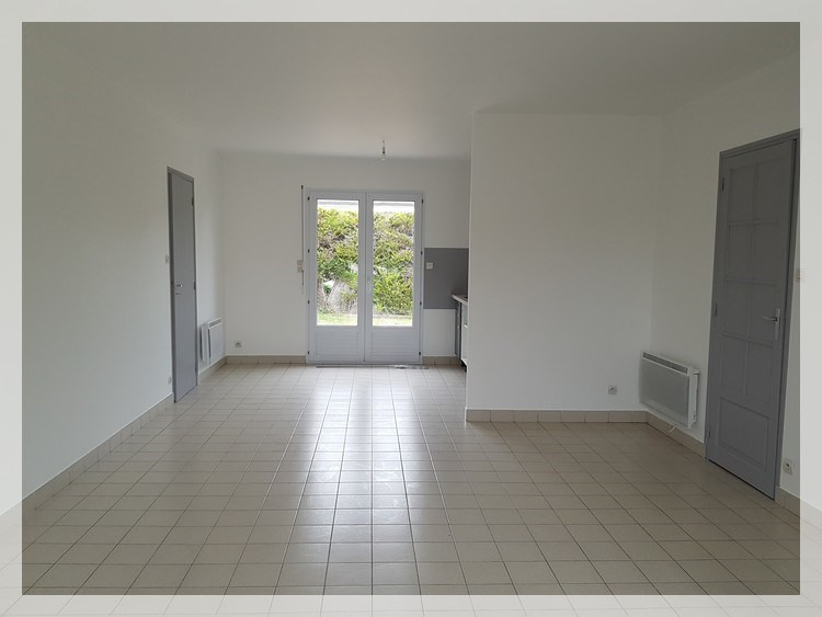 Location maison / villa Mésanger 625€ CC - Photo 2