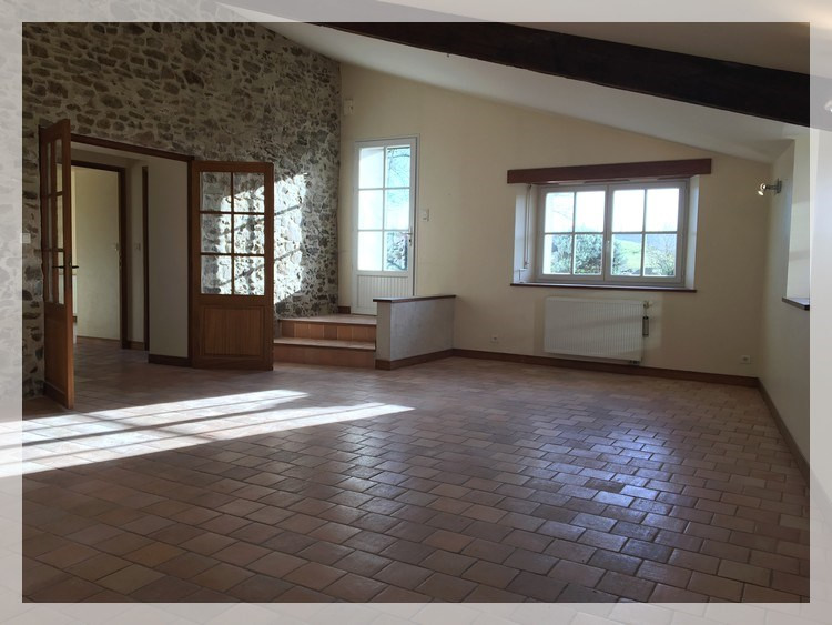 Location maison / villa Liré 790€ CC - Photo 2