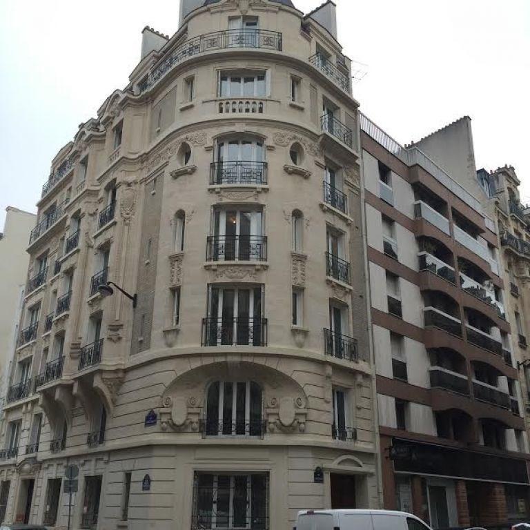 Location appartement Paris 17ème 2830€ CC - Photo 10