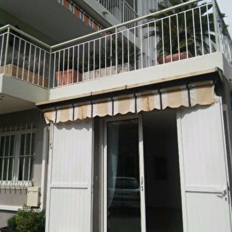 Sale apartment Antibes 139 000€ - Picture 2