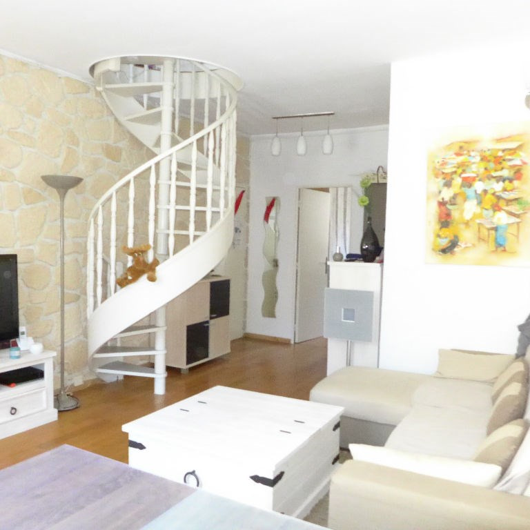 Sale apartment Paris 15ème 483 000€ - Picture 1