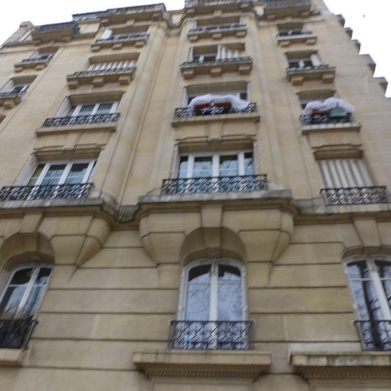 Verkoop  appartement Paris 15ème 596400€ - Foto 2