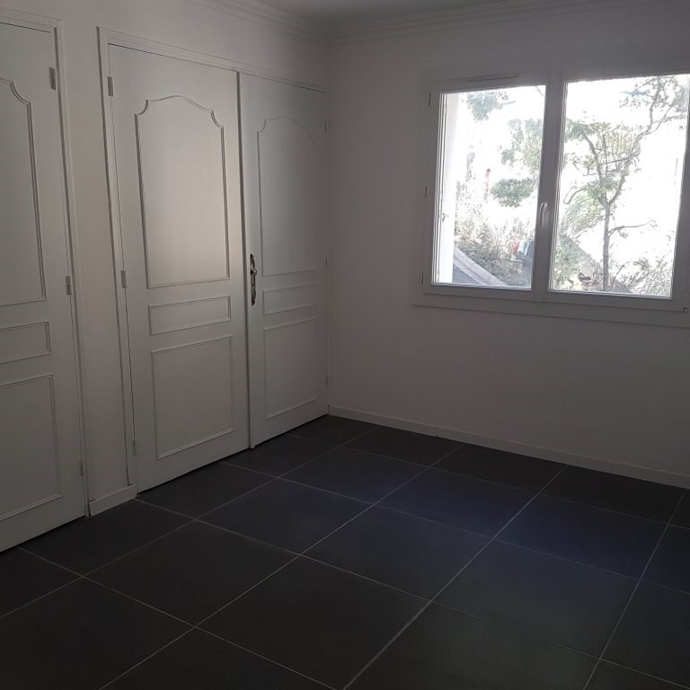 Rental apartment Toulon 840€ CC - Picture 6