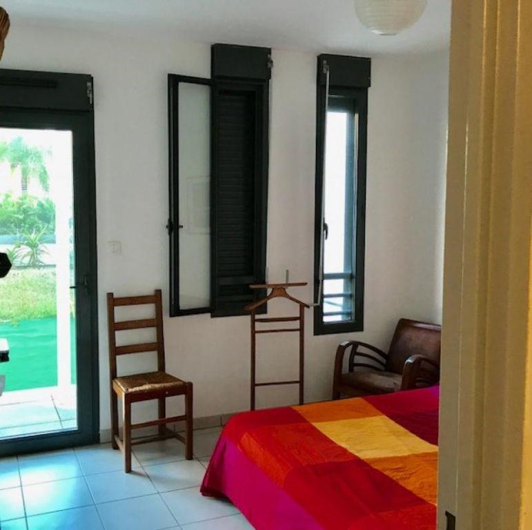 Sale apartment Saint pierre 288000€ - Picture 2