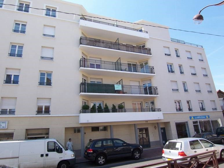 Location appartement Bretigny-sur-orge 781€ CC - Photo 1