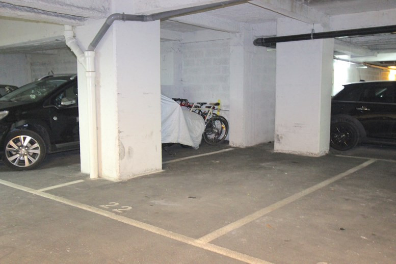 Vente parking Paris 2ème 65 000€ - Photo 1