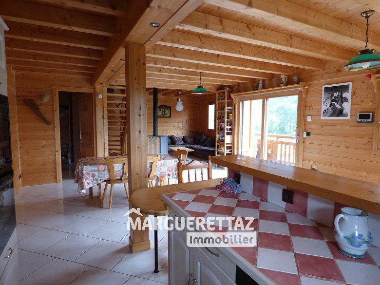 Sale house / villa Mégevette 398 000€ - Picture 1