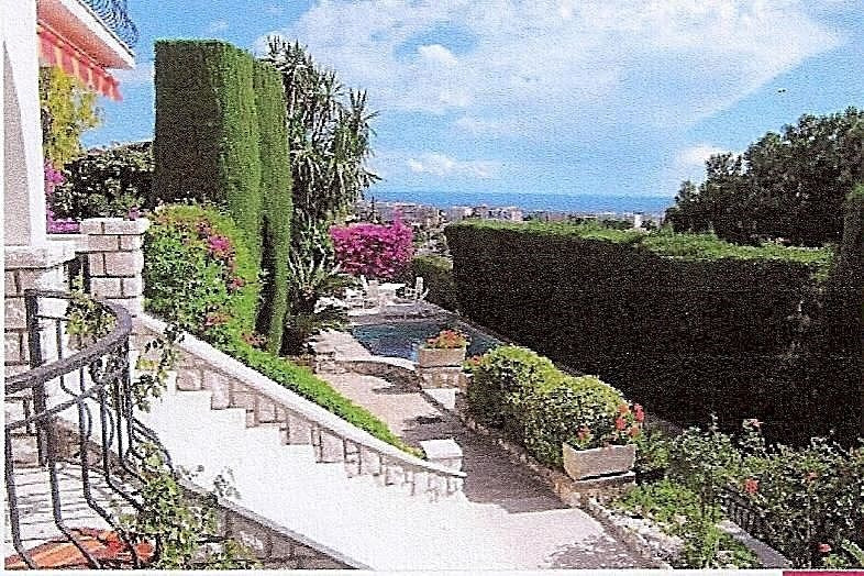 Deluxe sale house / villa Antibes 1 080 000€ - Picture 2