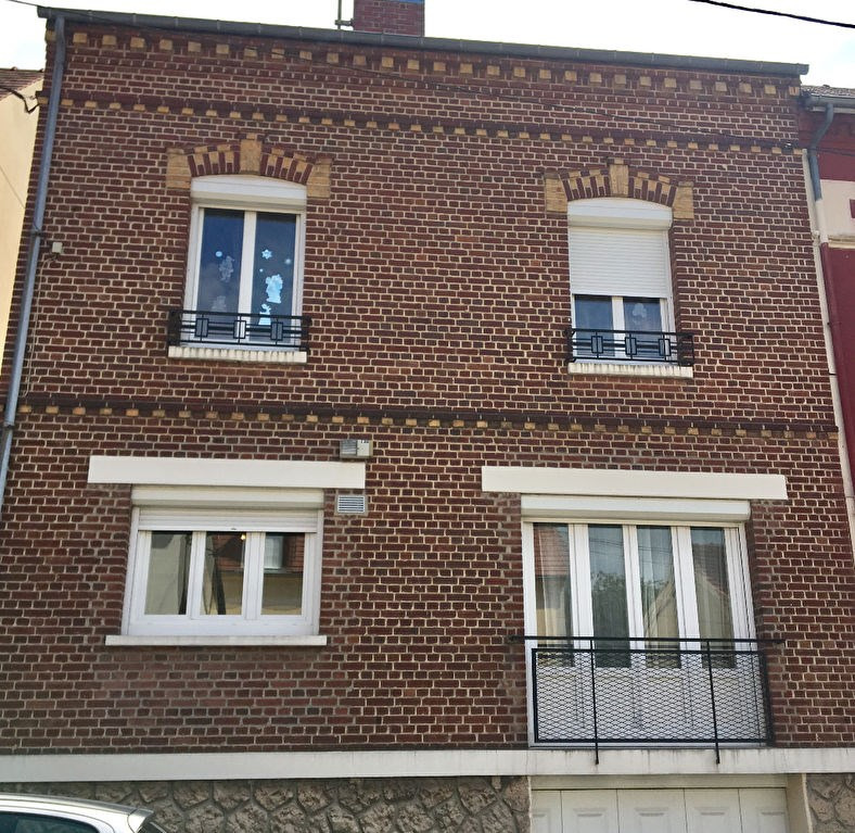 Sale house / villa Beauvais 280 000€ - Picture 1