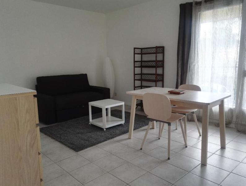 Rental apartment Aix en provence 595€ CC - Picture 1