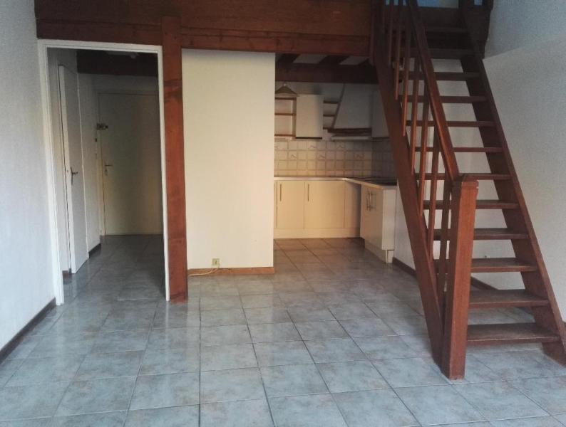 Rental apartment Aix en provence 851€ CC - Picture 4