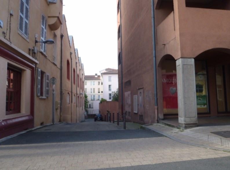 Location parking Villefranche sur saone 45€ +CH - Photo 1