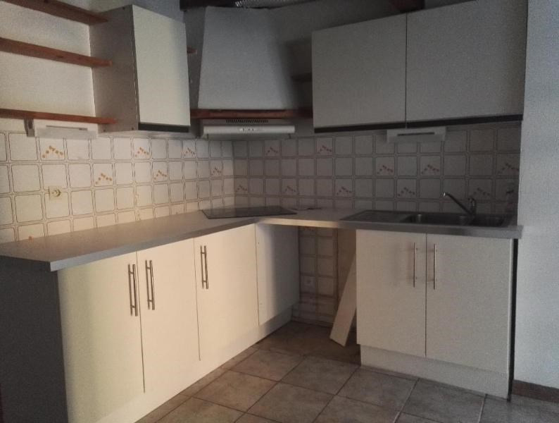 Rental apartment Aix en provence 851€ CC - Picture 3