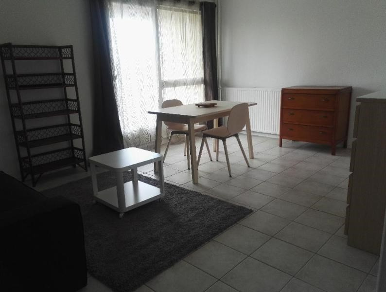 Rental apartment Aix en provence 595€ CC - Picture 2