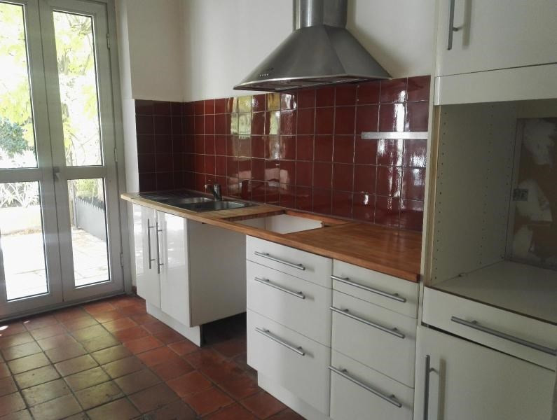 Location maison / villa Aix en provence 1 110€ CC - Photo 4