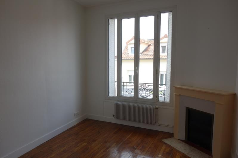 Rental apartment Le chesnay 980€ CC - Picture 2