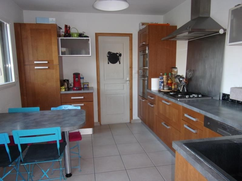 Location maison / villa Vergeal 680€ CC - Photo 3