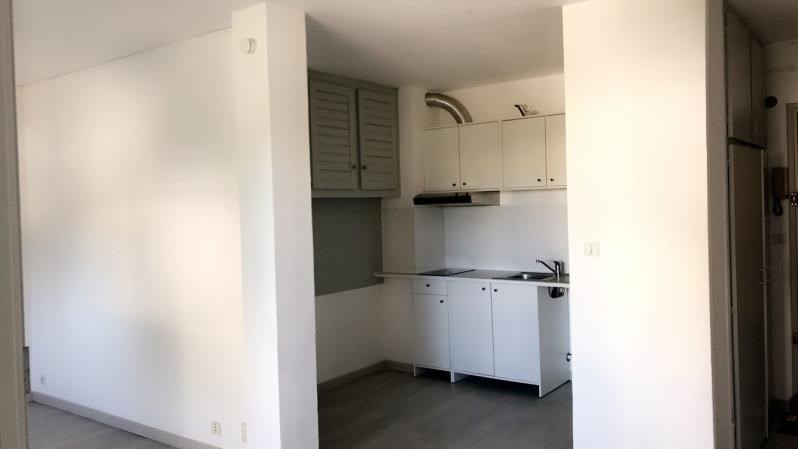 Rental apartment Montpellier 491€ CC - Picture 1
