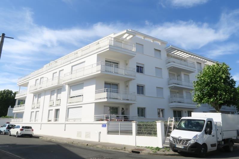 Sale apartment Royan 322250€ - Picture 1