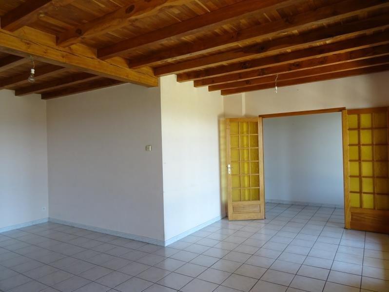 Rental house / villa Neulise 735€ CC - Picture 3