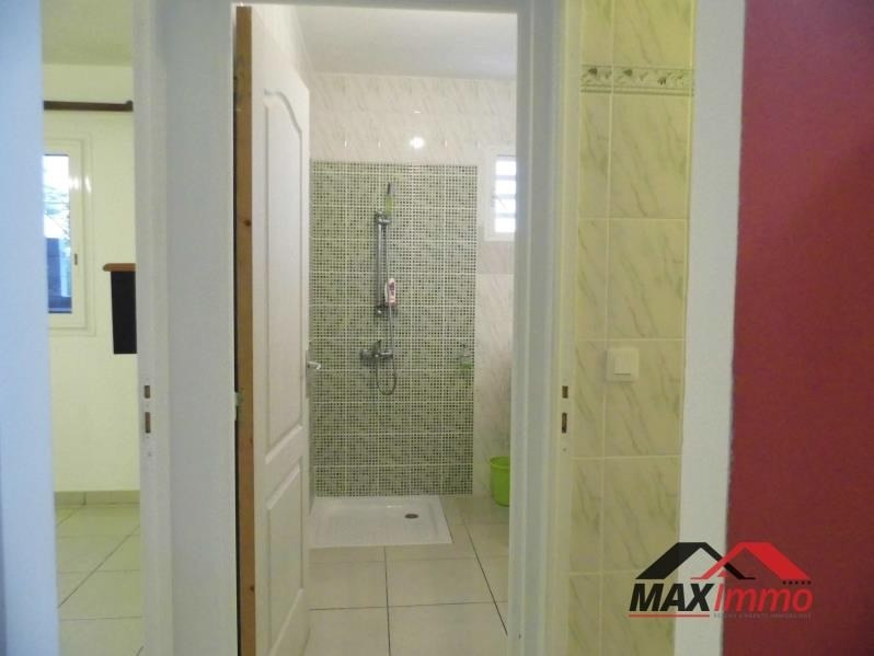 Location local commercial Petite ile 1 300€ HT/HC - Photo 5
