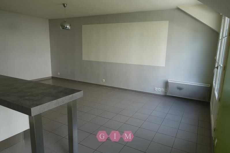 Rental apartment Vaux sur seine 710€ CC - Picture 2