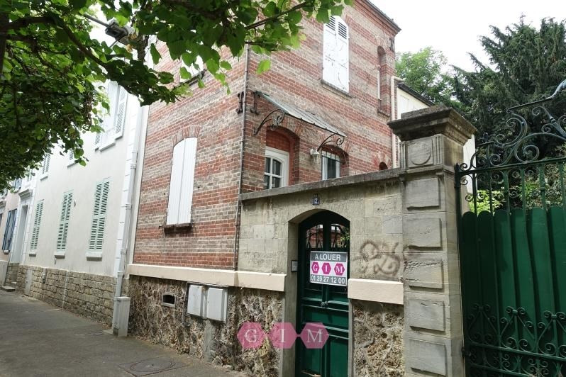 Rental house / villa Poissy 890€ CC - Picture 1